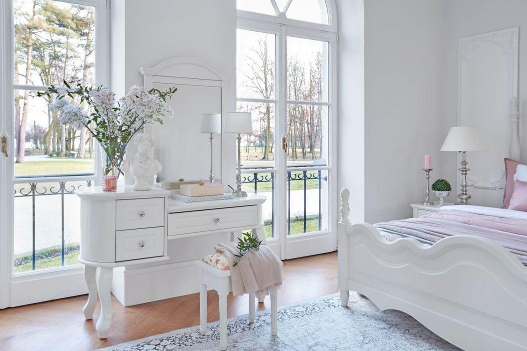 Toaletka - must have praktycznej i eleganckiej sypialni
