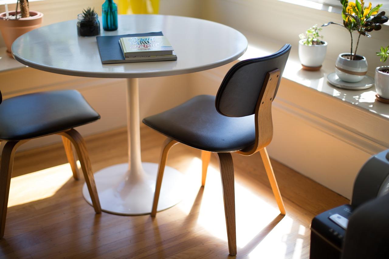 Wybieramy krzesła do stylowego domu